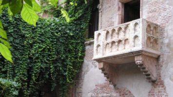 FOTO: Balkon ve Veroně, kde vyznal Romeo Julii svoji lásku