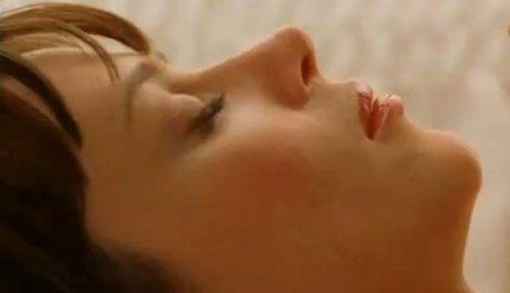 Anna Friel jako Chuck čeká na vzkříšení