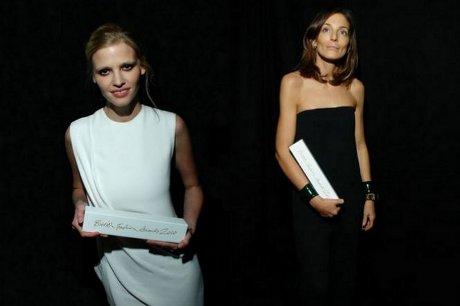 FOTO: Lara Stone a Phoebe Philo - British Fashion Awards 2010