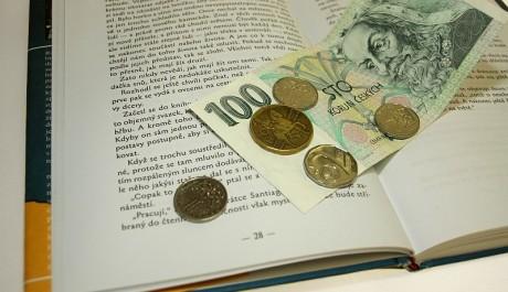 FOTO: Knihy a peníze