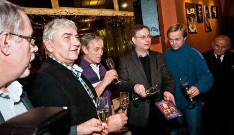 FOTO: Slavnostní křest DVD Sluha dvou pánů v kavárně Platýz