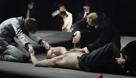 FOTO: Shylock bere svou libru masa