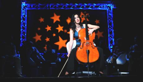 FOTO: Lucie Pernetová v představení Superčlověk v divadle Rokoko