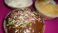 Čokoládový, citrónový a oříškovo-kokosový muffin