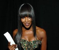 FOTO: Naomi Campbell - British Fashion Awards 2010