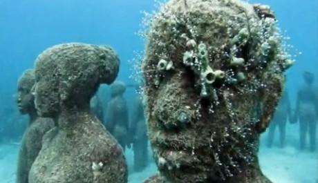 FOTO: Podmořské muzeum, sochy