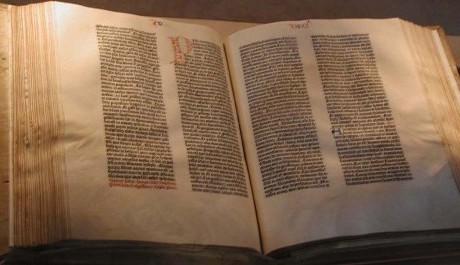 FOTO: Gutenbergova bible