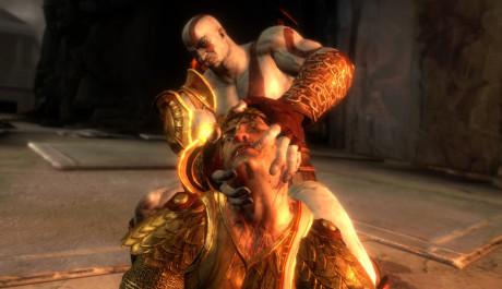 OBR.: Kratos trhá hlavu Heliovi