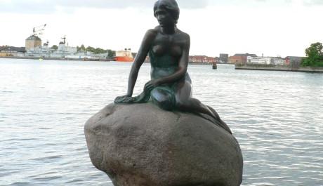 FOTO: Malá mořská víla v zátoce kodaňského přístavu
