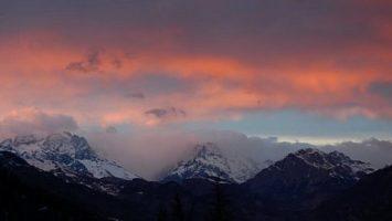 FOTO: Zasněžené vrcholky při západu slunce
