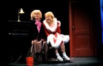 FOTO: Dana Batulková s Veronikou Gajerovou na premiéře inscenace Holky z kalendáře v Městských divadlech pražských