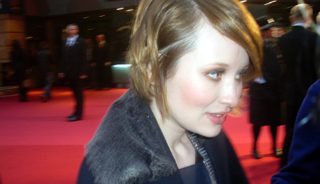 FOTO: Emily Browning - Sucker Punch - Red Carpet