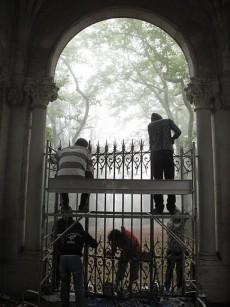 FOTO: Mládež pomáhá renovovat kulturní památku.