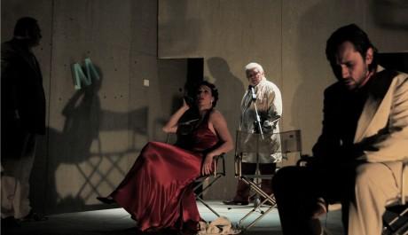 Foto: Kristýna Frejová a Filip Čapka v představení Gottland