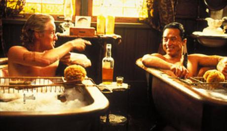 FOTO: Owen Wilson s Jackiem Chanem v komedii Tenkrát na východě
