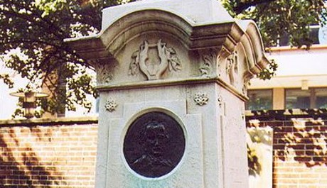 FOTO: Poeův hrob