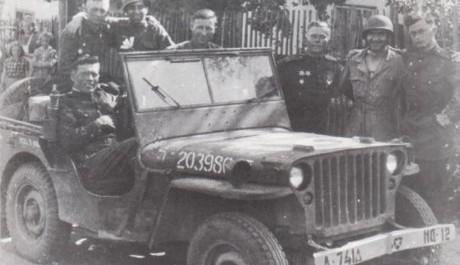 FOTO: Rudoarmějci: Setkání na Labi - Historicky první setkání Sovětských a Amerických vojáků