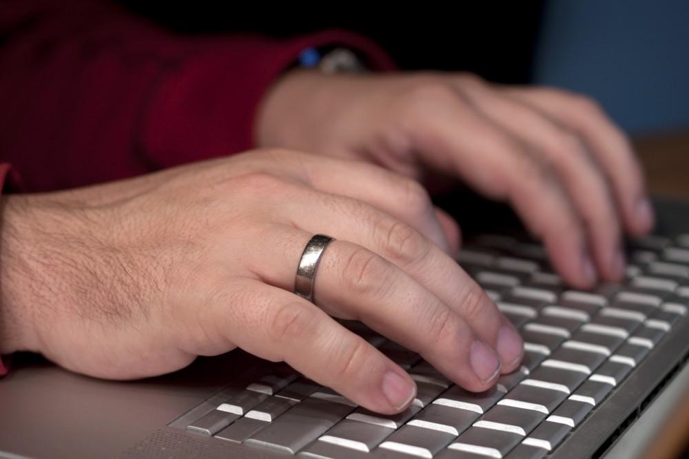 online dating se stále přihlašuje