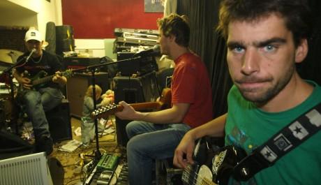 FOTO: Skupina Wohnout při nahrávání nového alba