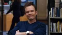 Foto: Joel McHale jako Jeff Winger v seriálu Community
