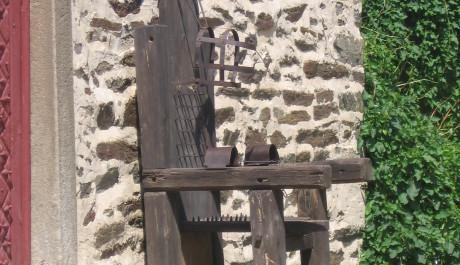 FOTO: Mučící křeslo na Bítově
