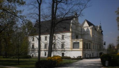 FOTO: Bartošovický zámek