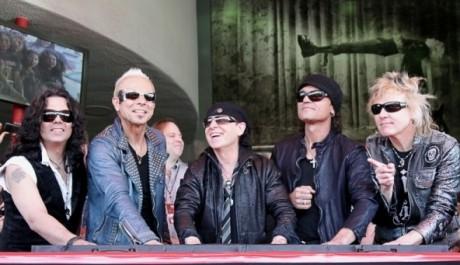 Scorpions otiskují ruce na Hollywoodský chodník slávy, Zdroj: the-scorpions.com