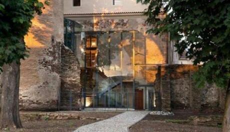 Foto: Knihovna ve středověkém hradu