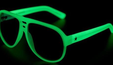 FOTO: Svítící brýle Converse