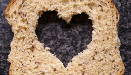 Foto: Toust s vydlabaným srdcem