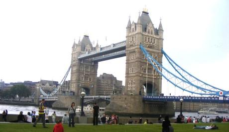 FOTO: Tower Bridge patří ke skvostům Británie