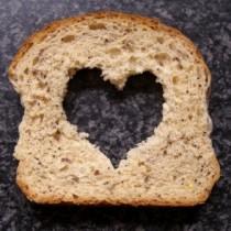 FOTO: výživa sportovce - chléb srdce