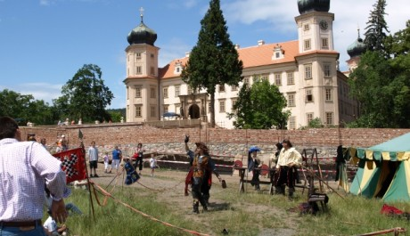 FOTO: Zámek Mníšek pod Brdy patřil rytíři Serváci Engelovi