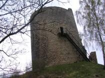 FOTO: Zřícenina hradu Michalovice, věž zvaná Putna
