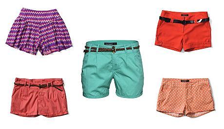 Dámské šortky a kraťasy v létě nesmí chybět. Ukažte nohy a ...