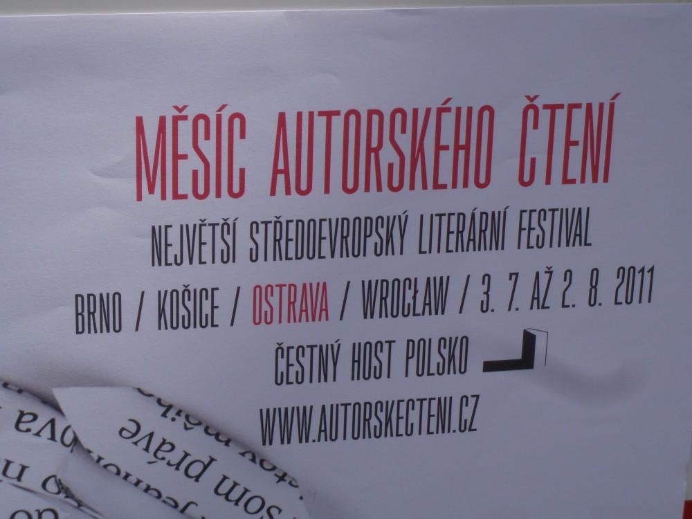 FOTO: Měsíc autorského čtení 2011