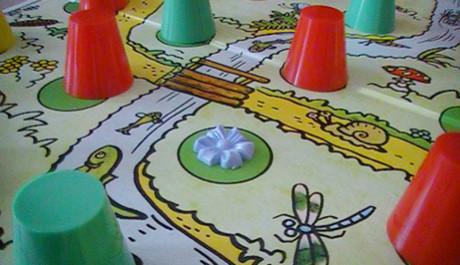 Smolíček pacholíček hra