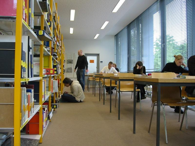 FOTO: Studenti často dělají pro vzdělání maximum. Pokud ale nemají stanovený cíl, může se stát, že dlouhé roky studií přijdou vniveč.