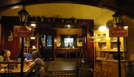 FOTO: Interiér restaurace Ztráty a nálezy