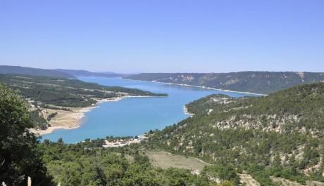 FOTO: Provence, jezero v kaňonu Verdon