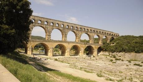 FOTO: Třístupňový akvadukt Pont du Gard