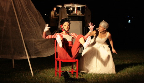 Festival Za dveřmi je Nultý Bod (Teatr Kana)