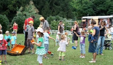 Foto: Zábava pro děti na Letní Letné