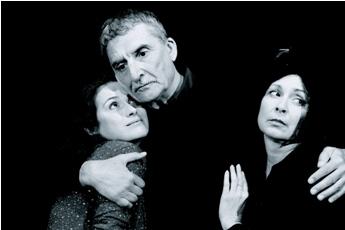 Foto: Štěpánková jako Anna, Huba coby Vogler a Svodová v roli Ráchel