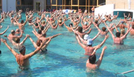 FOTO: Vodní gymnastia