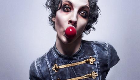 Foto: Foto k představení Wear it like a crown od švédského souboru Cirkus Cirkör