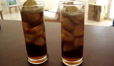 FOTO: koktejl Cuba Libre