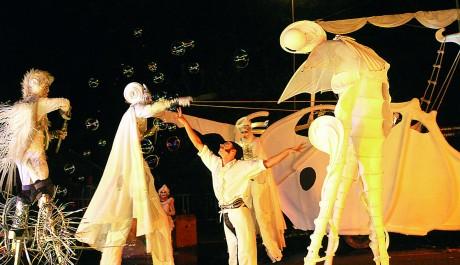Foto: Francouzský soubor nového cirkusu Malabar