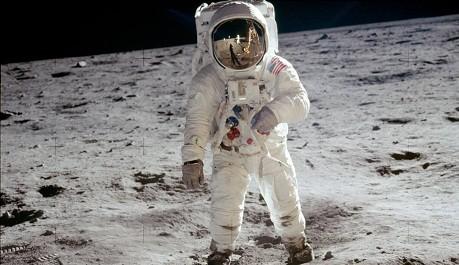OBR: Buzz Aldrin na Měsíci, 20. července 1969