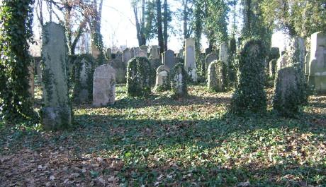 FOTO: Židovský hřbitov v Oboře Uhříněves